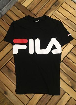 Оригинальная футболка от fila в новом состоянии
