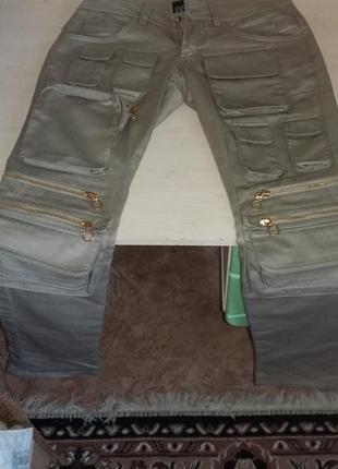 Продам женские джинсы ferre