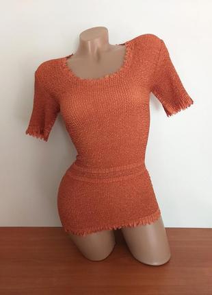 Топ кирпичного цвета (оранжевый, рыжий, терракотовый). футболка жатая, резинка.