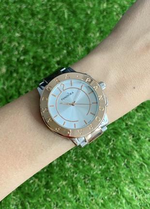 Женские наручные часы металлические серебристые с розовым цвета серебро