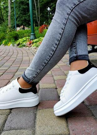 Модные стильные женские кроссовки alexander mcqueen