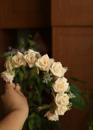 Обруч ободок венок из кремовых роз ручной работы