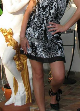 Милое плиссированное  платье