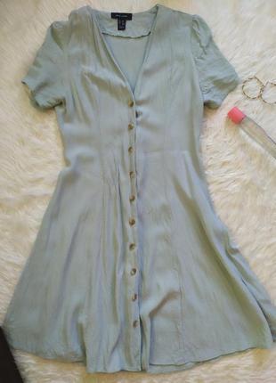 Актуальное стильное платье халат с пуговицами фисташкового цвета