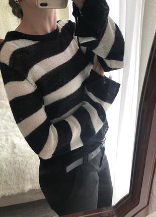 Очень мягенькой свитерок