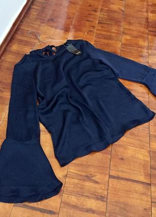 Шикарная блуза под шёлк с расклешенным курчавом esmara