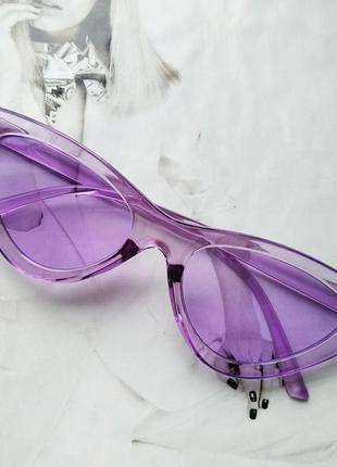 Треугольные очки солнцезащитные  кошачий глаз цветная оправа фиолетовый