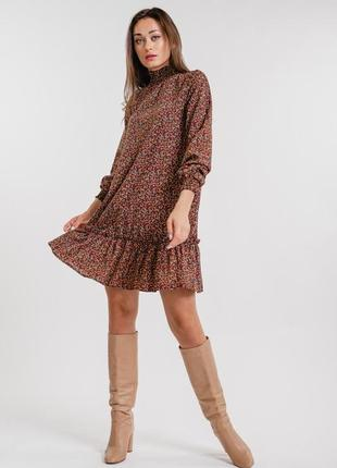 Короткое платье-трапеция