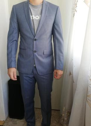 Класичний костюм