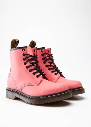 Ботинки dr. martens розовые коралл smooth leather original