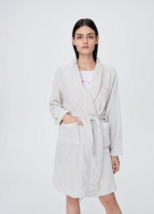 Пушистый халат  от бренда sinsay м-л