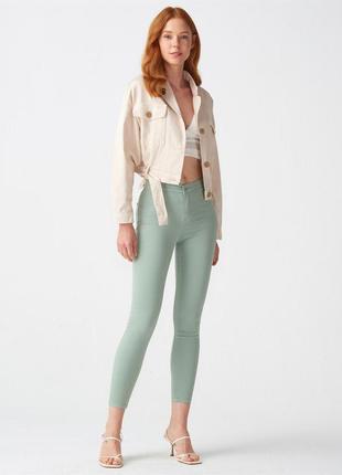 Мятные джинсы скини dilvin