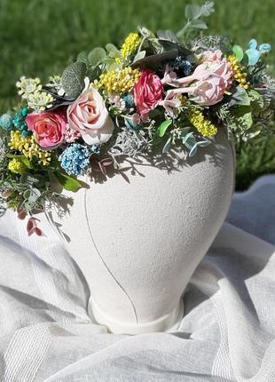 Венок с полевыми цветами на голову