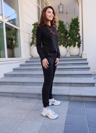 Вязаный прогулочный черный костюм