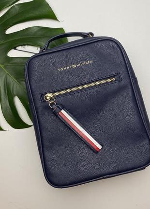 Рюкзак від tommy hilfiger