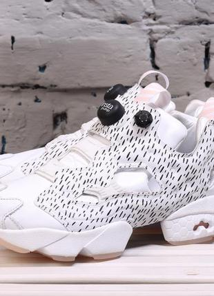 46dc21e0ee8169 Женские кроссовки reebok x naked instapump fury sc dynasty pack white . ...