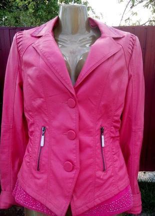 Кожаная куртка из качественной экокожи