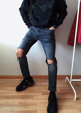 Мужские джинсы рваные bershka