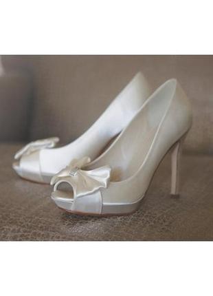 Элегантные туфли айвори, нарядные (свадебные), 39р-р.