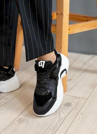 Новые женские кожаные кроссовки с 36-41