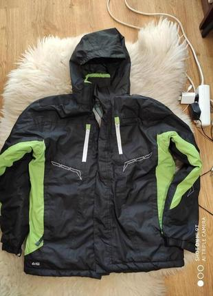 Лыжная куртка 146-152 размер