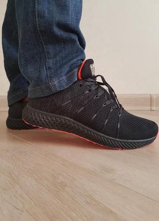 Мужские кроссовки.