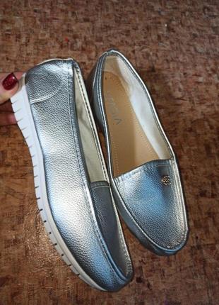 Слипоны, мокасины,туфли на каждый день.