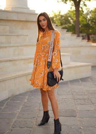 Невероятное оранжевое цветочное мини платье. крутое короткое платье в мелкие цветы. хс-хл