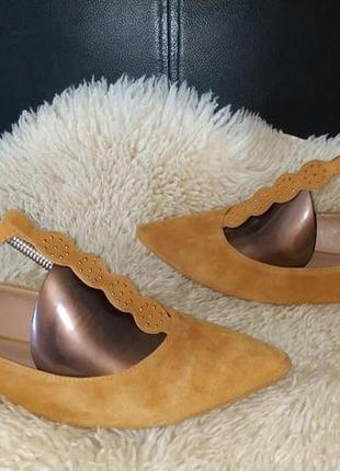 Anthropologie стильні туфлі в дуже хорошому стані з натуральної замші