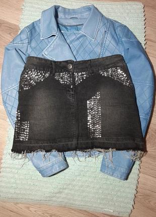 Коттоновая, джинсовая мини юбка пайетки с необработанным низом