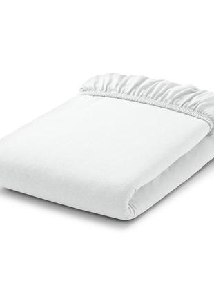 Простынь на резинке в детскую кроватку