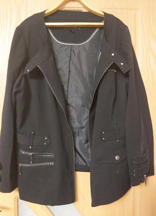 Пиджак черный. на молнии.