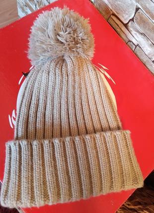 Турция,новая!шикарная,красивая,демисезонная шапка,шапочка,с помпоном
