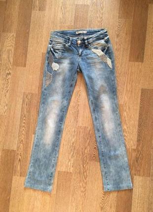 Джинсы dishe jeans аппликация бисер заклепки вышивка варенки