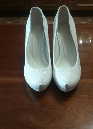 Красивенные свадебные туфли (кожа)!