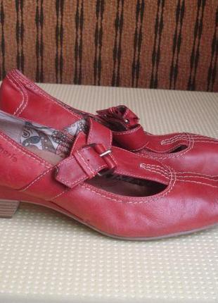 Tamaris фирменные кожаные туфли с анатом. стелькой 40р.