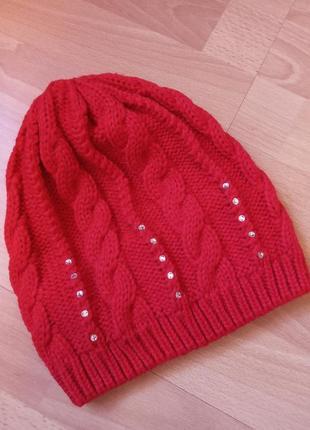 Шикарная,красивая,демисезонная шапка,шапочка,теплая,красная с кристаллами