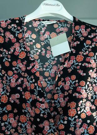Блузка на довгому рукаві в квітковий принт