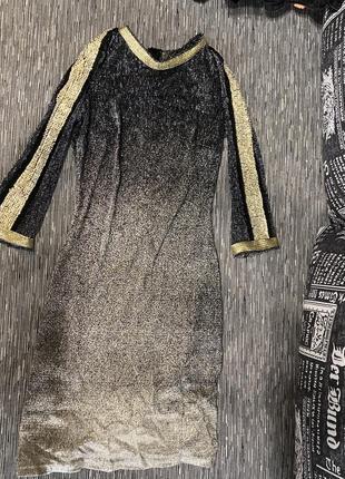 Чёрное золотое платье
