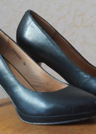 Чёрные туфли. натуральная кожа.