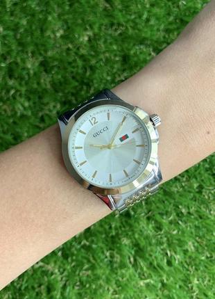 Женские наручные часы металлические серебристые с золотом цвета серебро