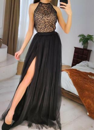1812.     черное вечернее платье с пышной фатиновой юбкой