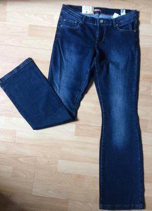 Прекрасные новые джинсы клёш