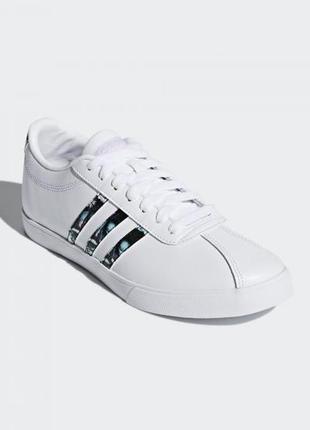 Стильные кожаные, белые  кроссовки adidas courtset w db1373
