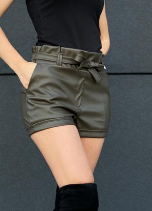 Трендовые кожаные шорты цвета хаки zh-6196-haki