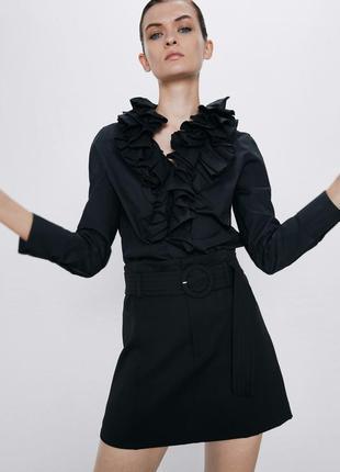 Черная короткая юбка трапеция с поясом от zara