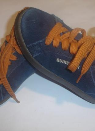 Фирменные кожаные кроссовки мальчику на 32 размер идеал