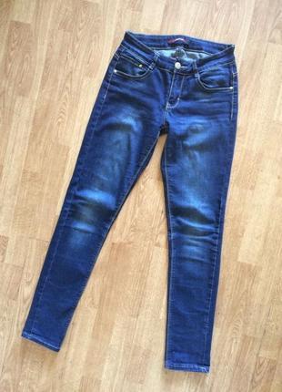 Красивые синие джинсы идеальная посадка moongirl