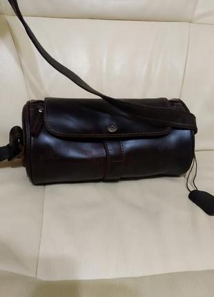 Фирменная сумка унисекс. кожа.новая