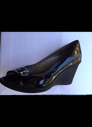 Nero giardini италия роскошные лаковые кожаные туфли на танкетке